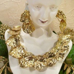 R-897 Quality Golden Water Lily Leaf Necklace Set